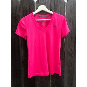 Nike Dri-Fit Hot Pink Workout/running tee small